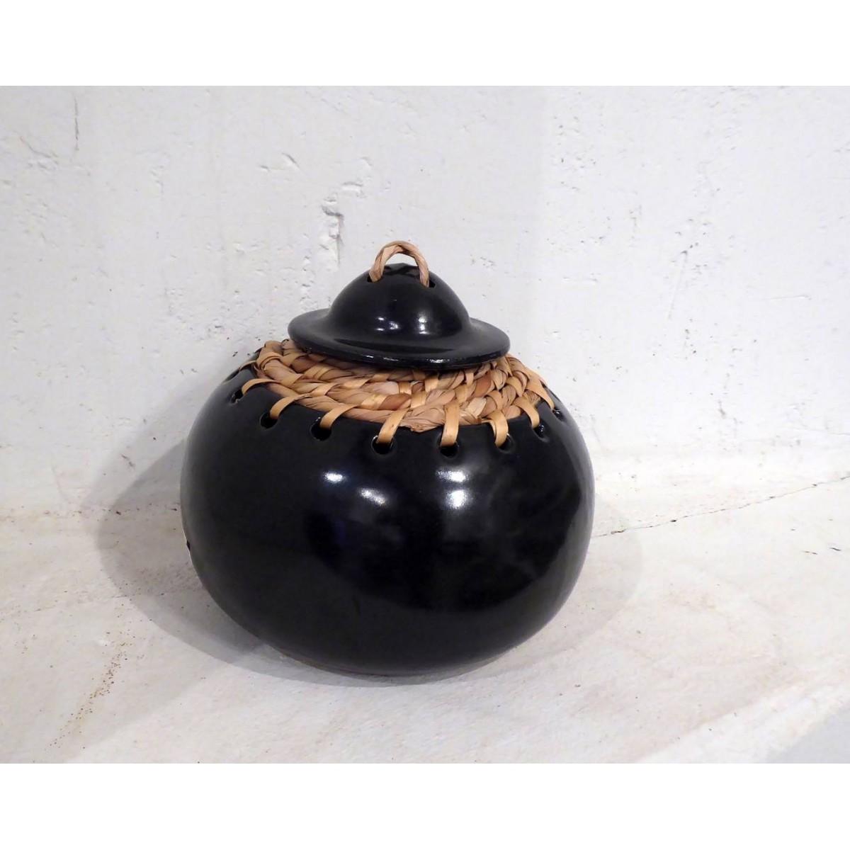 Caja de cerámica torneada en dos piezas