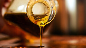 la-botella-de-aceite-mas-antigua-del-mundo-aparece-en-italia-1920